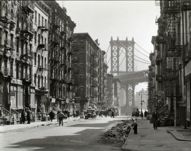 photo by Berenice Abbott (LOC)