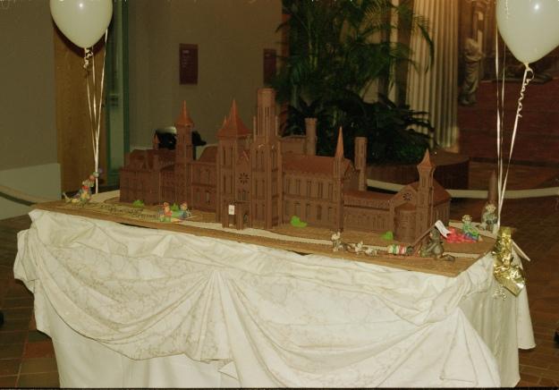 Smithsonian 150 year anniversary cake
